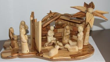 nativity-set-with-separation-wall